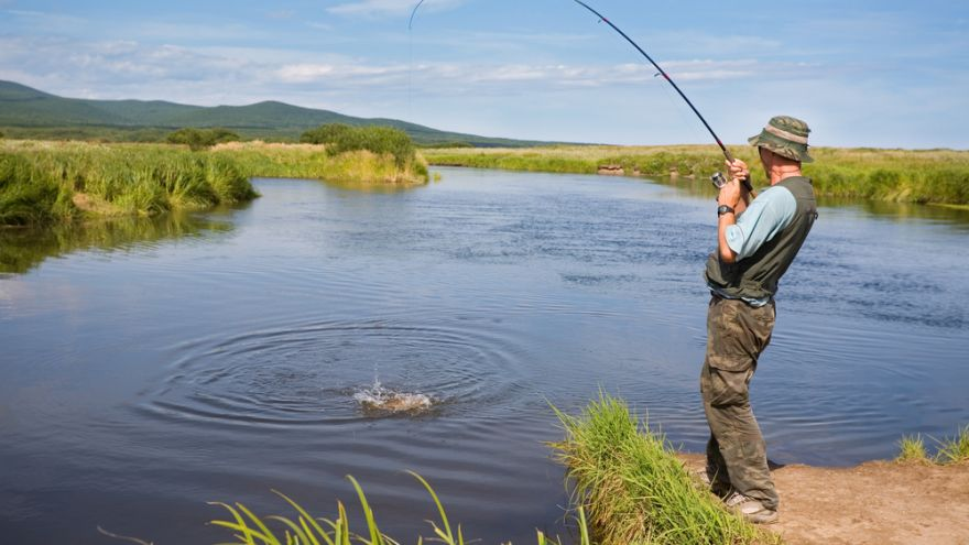 Fly Fishing vs. Spin Fishing