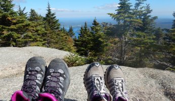 a detailed review of the top 10 hiking books for kids