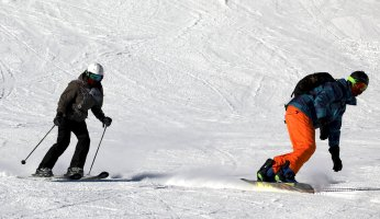 The Real Difference Between Skiing & Snowboarding